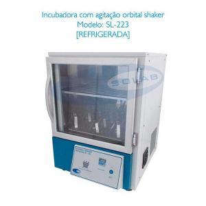 Incubadora shaker de bancada refrigerada